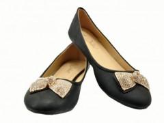 Modne i delikatne obuwie damskie