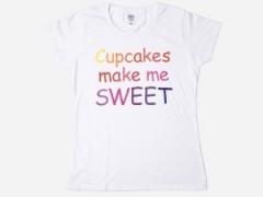 Moda na koszulki z napisami dla kobiet