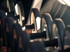 Na co zwracać uwagę wybierając się na siłownię