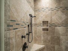Kabiny prysznicowe w łazienkach – wybór miejsca ustawienia, typu i modelu