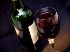 Domowa produkcja wina – na co zwrócić uwagę?
