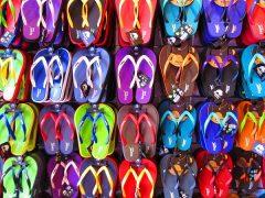 Jak korzystnie zaopatrywać sklep obuwniczy?