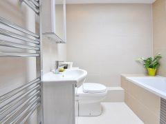 Czy warto wyposażyć łazienkę w sprzęt jednego producenta?