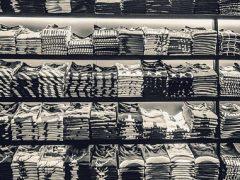 Koszulka prosto – dlaczego warto ją mieć?
